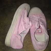 Sepatu Kets Preloved 38