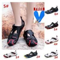 sandal pantai Ukuran besar 39 ~ 45 musim panas sepatu olahraga pria