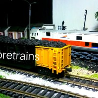 miniatur Kereta api batubara (baba ranjang)