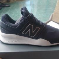 Sepatu New Balance 247