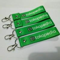 Gantungan Kunci Tokopedia