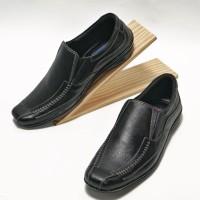 Sepatu Pria Slip On Casual Semi Formal Kulit Asli Termurah F512 - Hitam, 40