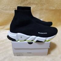 Sepatu Pria / Balenciaga Top Speed Trainer 'Black White Volt