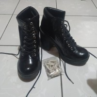 Divided Ankle Platform Boots H&M (ori)