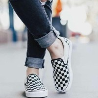 sepatu slip on pria dan wanita vans checkerboard hitam putih