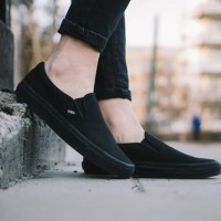 Sepatu VANS Slip On Classic Full Black 100% Original BNIB