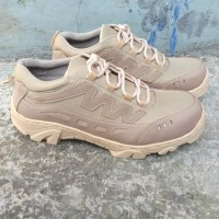 sepatu safety gurun 4 inchi