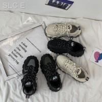 Sepatu Sneakers Olahraga Wanita Warna Hitam Fire Ins Peach Untuk