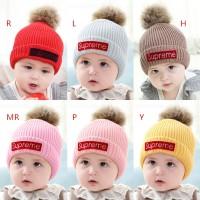 Topi Kupluk Bayi / Anak Laki-laki / Perempuan Desain Bola Plush