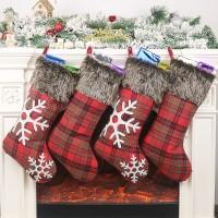 Ornamen Kaos Kaki Gantung dengan Tali untuk Pohon Natal