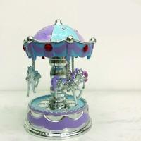Kotak Musik Bentuk Carousel / Mahkota untuk Dekorasi Kue Ulang Tahun