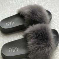 Sandal Bulu Bulu Lebat Fenty / Sendal Cewek Slop - Hitam