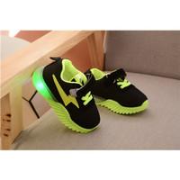 Sepatu Sneakers Anak Laki-laki Flash 016 Sepatu LED Bahan Mesh - Hijau, 21