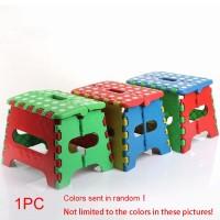 Kursi Lipat Tebal Portable Bahan Plastik untuk Outdoor / Travel /