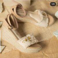 valencia by enrica x tea label dawn wedges in beige