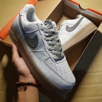 SEPATU NIKE AIR FORCE 1 RAIGNING CAMP