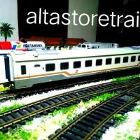 Miniatur Kereta api gerbong eksekutif