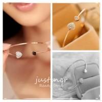 Diskon Simple Style Gold Rhinestone Love Heart bracelet