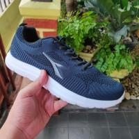 Sepatu Olahraga Pria Diadora Isla Original (size 41, 43 saja)