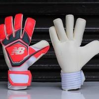 sarung tangan kiper new balance furon damage red goalkeeper glove