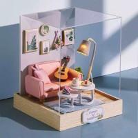 Pajangan DIY House rumah dengan gitar dan lampu /mini doll house gift