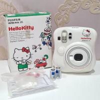Polaroid Fuji Film Instax Mini 25 - PRELOVED
