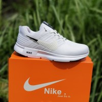 Sepatu Sport Sneakers Pria Nike Airmax Zoom Pylon Full Putih
