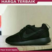 PG Sepatu Sneakers Pria Wanita Sekolah Nike Roshe Run All Full Black