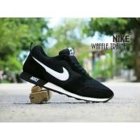 PG Sepatu Pria Wanita Sport Nike Waffle Trainer / MD Runner Hitam