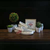 SEPATU VANS SLIP ON CHECKERBOARD OFF WHITE OFF WHITE BLACK