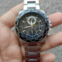 jam tangan seiko sport quartz chronograph