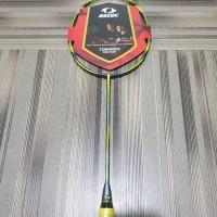 Raket badminton Astec Tornado 900