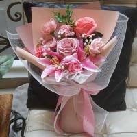 Buket bunga artificial premium 089/bouquet/wisuda/ultah/anniversary