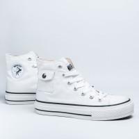 Sepatu Warrior Neo Sparta - White