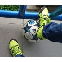 TURUN HARGA (Preloved) Sepatu Olahraga/Futsal Adidas Original Nyaman