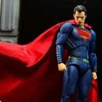 mainan action figure mafex superman