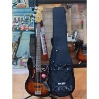 Squier Classic Vibe 60s Jazz Bass Guitar Laurel FB 3 Tone Sunburst