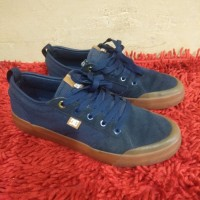 sepatu DC biru navy no Vans, Sk8, Authentic, Converse, new balance
