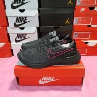 """Sepatu Nike React Epic PSG """"Black Pink"""