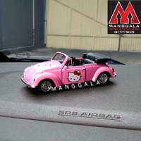 Pajangan Miniatur Diecast Mobil VW Beetle Kodok Cabriolet Hello Kitty