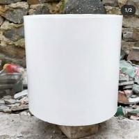 Pot Beton Putih