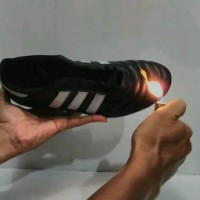 Sepatu Bola Bahan Kulit