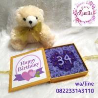 Flower box buket bunga boneka beruang kado hadiah ultah wisuda