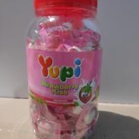 Permen Yupi Strawberry Kiss/Toples