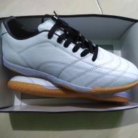 Sepatu Futsal Kulit asli Polos