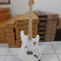 gitar listrik murah fender stratocaster brokenwhite murah bandung