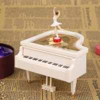 Kotak Musik Piano Romantis Model Dancing Ballerina