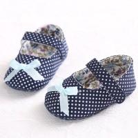 Sepatu Prewalker Sol Lembut Motif Polkadot Aksen Pita untuk Bayi