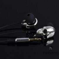 Earphone In-Ear 3.5mm Metal Silver Tengkorak Subwoofer Stereo