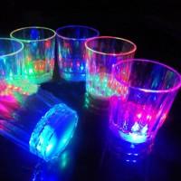 Gelas Plastik untuk Meminum Anggur dengan Cahaya LED untuk Dekorasi